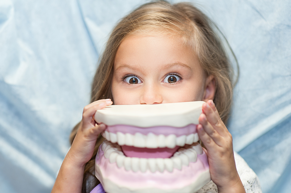 Детская профилактика зубов, гигиена, стоматология