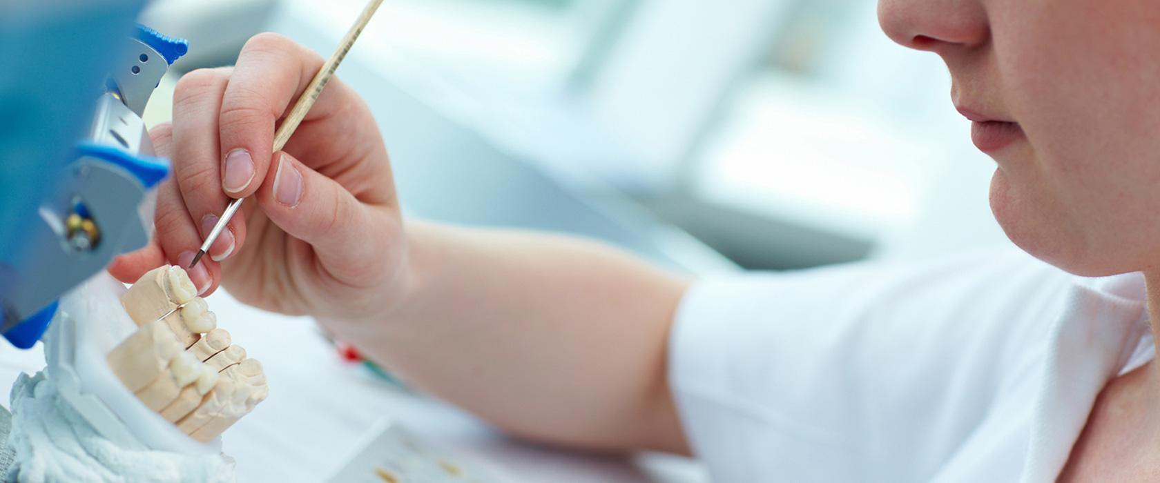 Протезы коронки мосты - протезирование стоматология